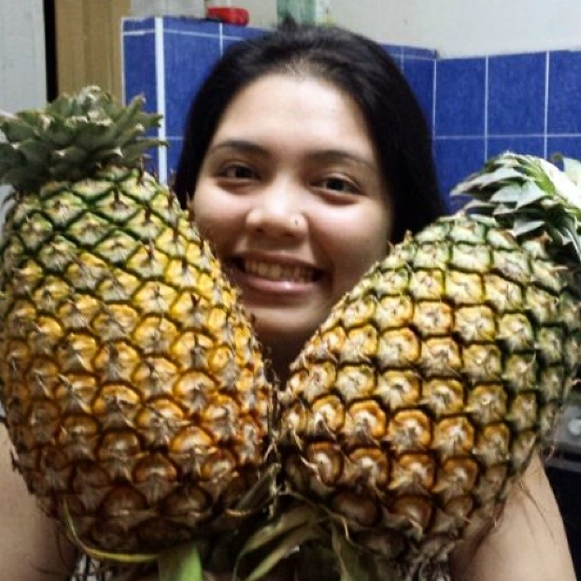 Have you ever been so bored that you find posing with big ass fruits more exciting?