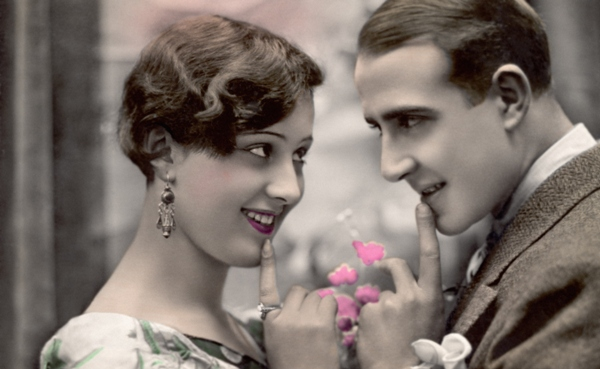 flirting_old_photo_600x369